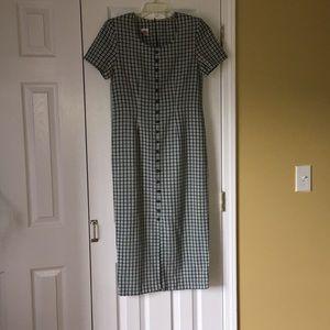 Dresses & Skirts - No Boundaries dress